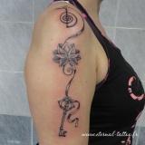 1-a-clef-lotus-bras