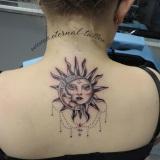 1-a-femme-divers-lune-soleil-dos