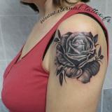 1-a-fleurs-rose-noire